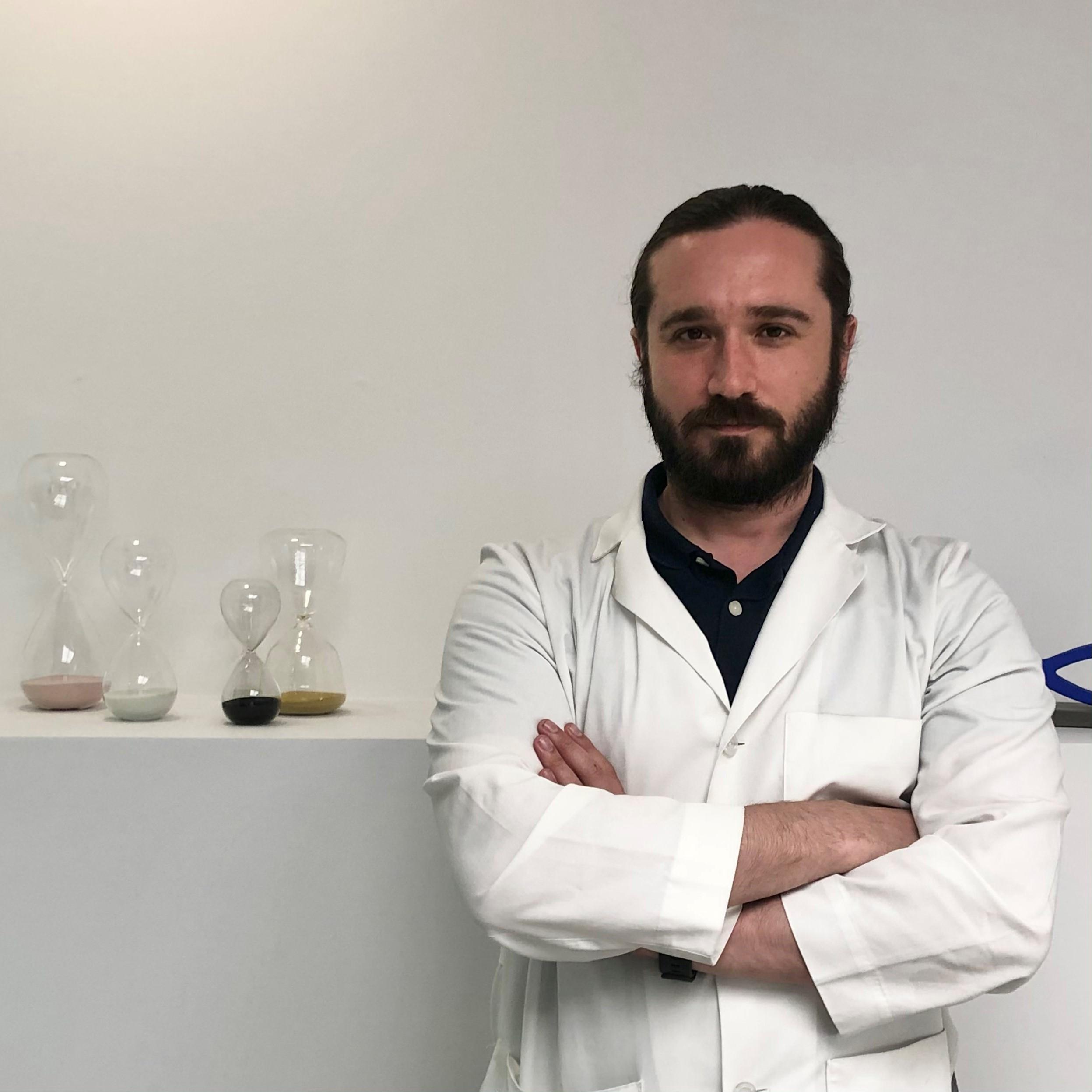 Δρ. Νίξον Αλέξανδρος